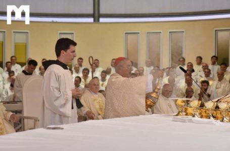 """Кардинал Де Донатіс на відкритті """"Фестивалю молоді"""": Я приношу тепле привітання та благословення Святішого Отця"""