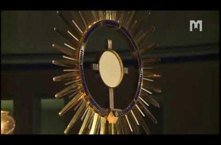 Адорація Пресвятих Дарів. Младіфест, Меджуґор'є 05.08.2020