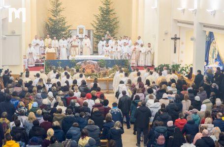 Ми прийшли поклонитися новородженому Ісусові